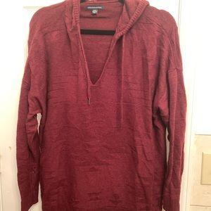 American Eagle maroon hooded Sweater